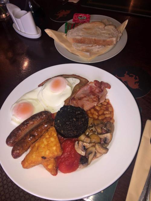 Breakfast at the Duke of York