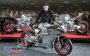 John McGuinness an his bike